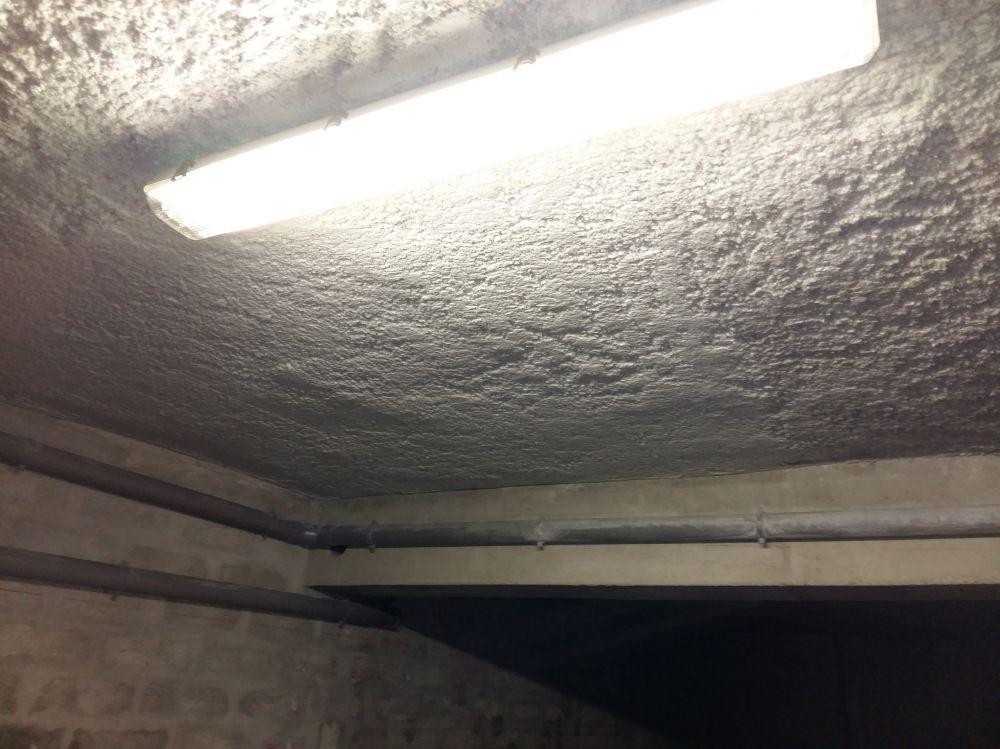isolation thermique 100 mm toulon est dans un garage toulon isolation phonique et thermique. Black Bedroom Furniture Sets. Home Design Ideas